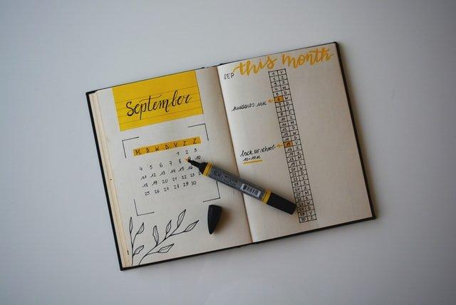 Agenda dans lequel est inscrit les dates butoirs du calendrier CSE